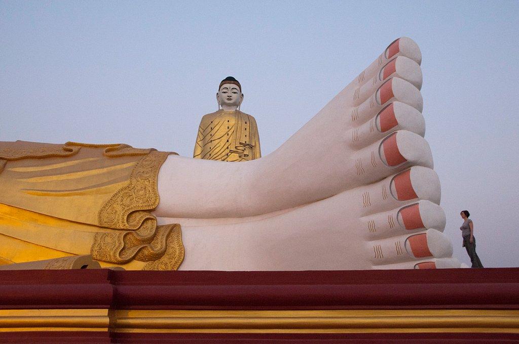 Miriam Reik Photographer - Giant Buddhas